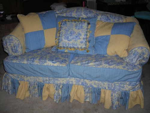 Got this sweet slipcover on ebay ... LOVE the French Country pattern and colors!