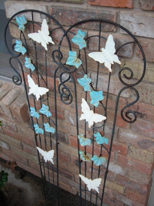 great old trellis for my new garden! thanks, bonnie!