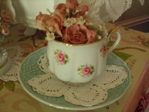 sweet cup with roses